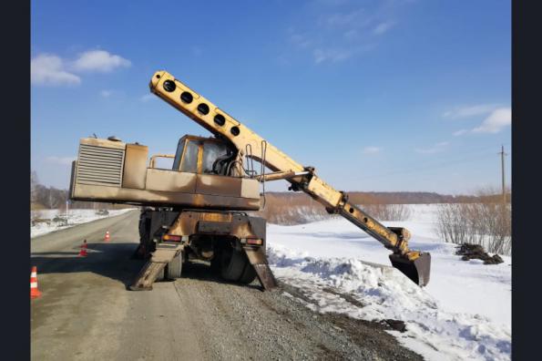 Сотни мостов и тысячи километров дорог подготовят в Новосибирской области к прохождению паводка