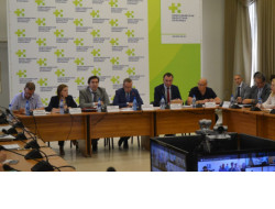Первый замгубернатора Юрий Петухов провел совещание по реализации нацпроекта «Здравоохранение» в регионе