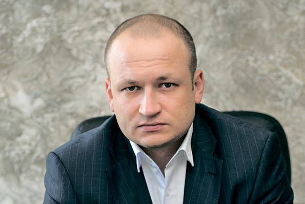 Станислав Тишуров.