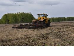 На приобретение топлива для агротехнологических работ Новосибирской области будет направлено 165 млн рублей
