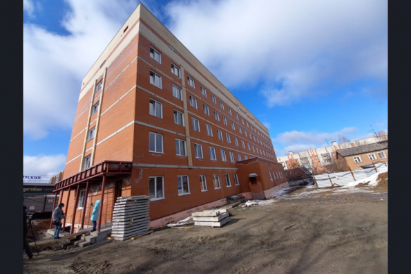 С опережением графика: в Заельцовском районе Новосибирска строится новая поликлиника