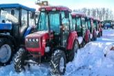С базы «Коченёвского агроснаба» сельхозтехника разъезжается не только по хозяйствам Новосибирской области, но и по всей Сибири и Забайкалью. В день проведения комитета, например, два «Беларуса» отправляли в Улан-Удэ.