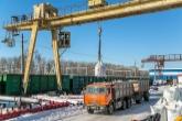 """В ОАО """"Коченевский агроснаб"""" также привозят и распределяют по региону минеральные удобрения, остро необходимые аграриям."""