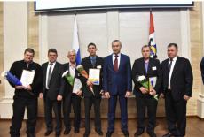Андрей Травников вручил награды труженикам АПК