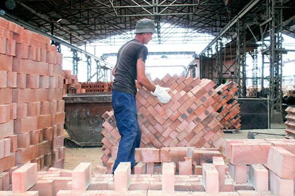 Кирпичный завод в Маслянино